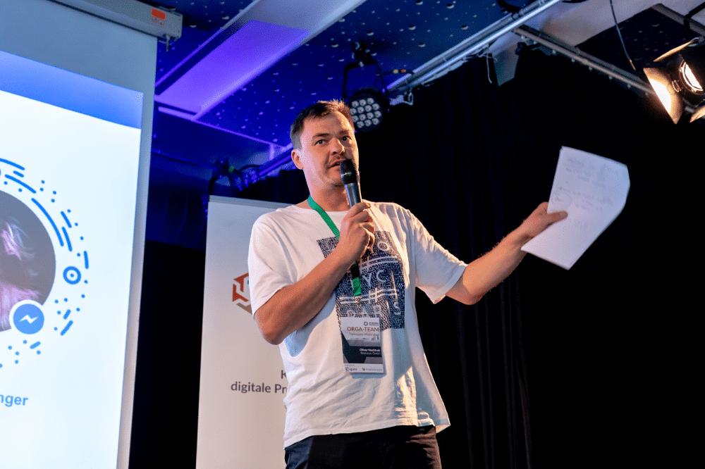 Oliver Nachtrab moderiert die Working Products Konferenz 2019