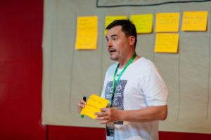 Oli Nachtrab im Produktmanagement-Workshop